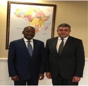 Aliko Dangote con el secretario general de la OMT, Excmo. Sr. Zurab Pololikashvili