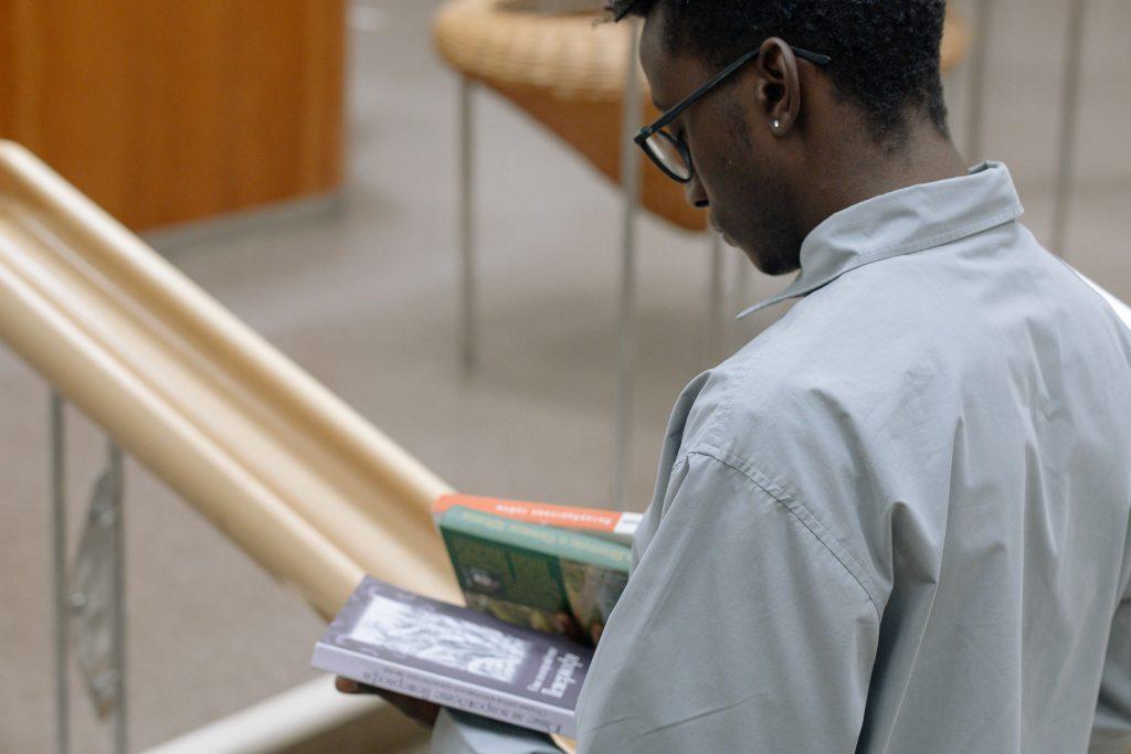 Los jóvenes escritores africanos que no te debes perder